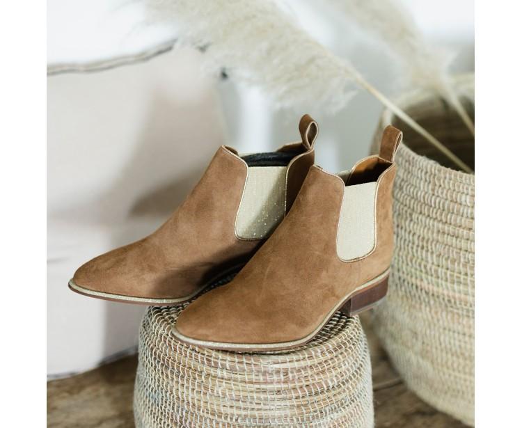 AH // Boots Atia Nubuck Camel