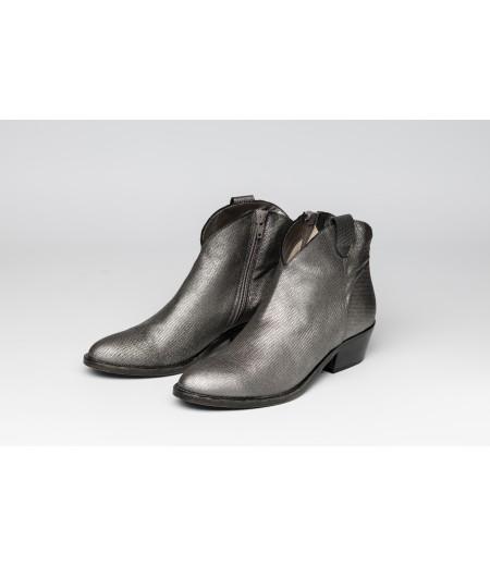 PE // Boots Perna Plomb